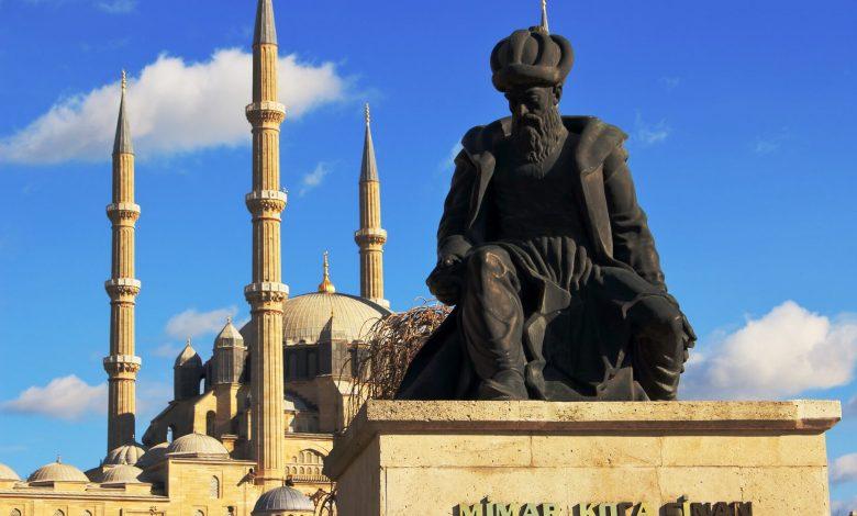 Mimar Koca Sinan Heykeli ve Selimiye Camii